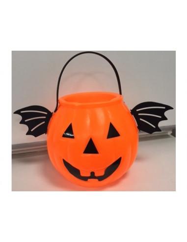 Zucca Halloween con ali di pipistrello